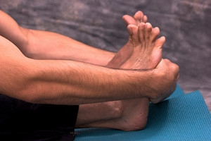 Recommended Stretches for Strengthening Your Feet